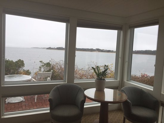 Harwich, MA: Jr. Suite - view from living room