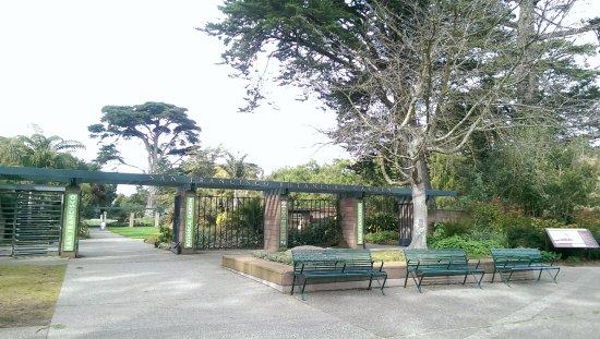 San Francisco Botanical Garden: Entrance