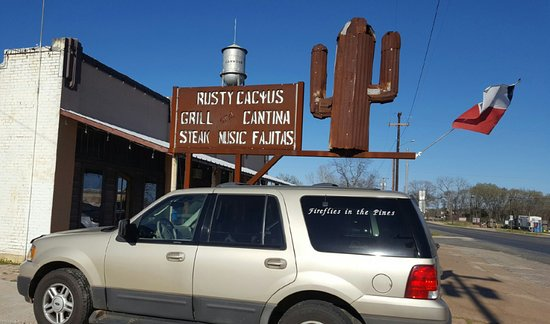 Meal at the Rusty Cactus in Oakwood Texas