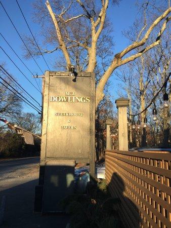 Sag Harbor, NY: M.J. Dowlings Steakhouse & Tavern