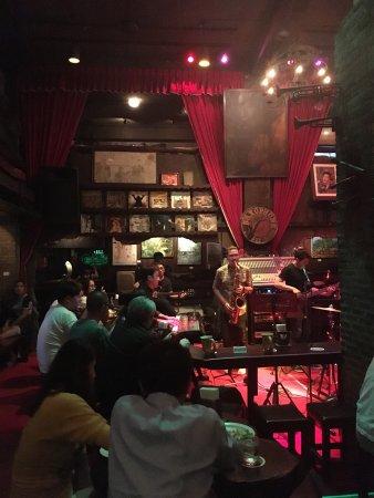 Photo of Bar Saxophone Pub at 3/8 อนุสาวรีย์ชัยสมรภูมิ ถนนพญาไท, Bangkok 10400, Thailand