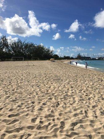 Saint Michael Parish, Barbados: Cruise ships just round corner... cloaca families swim here.