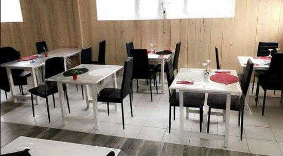 Saint-Maixent-l'Ecole, Francia: Salle de restaurant