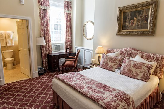 Foto de La Reserve Center City Bed and Breakfast