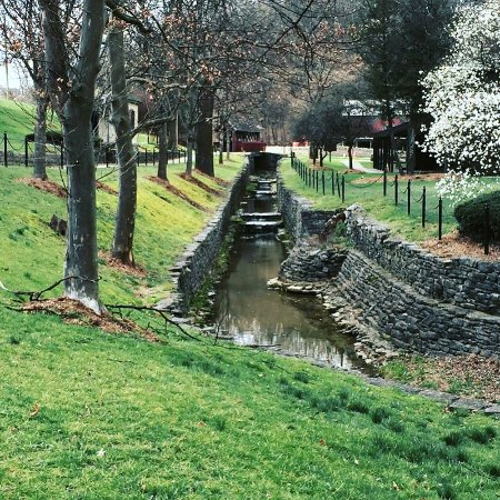 Loretto, KY: Stream flowing through the grounds.