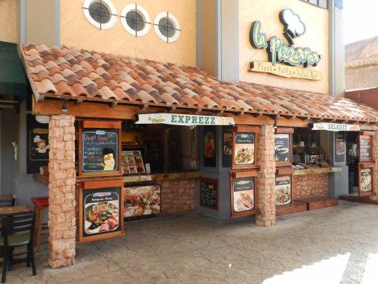 Pizzeria La Pizzarra : exterior del restaurante