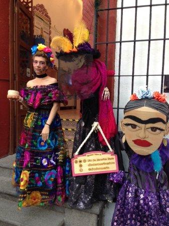 Las Catrinas Picture Of Dia De Muertos Store Mexico City