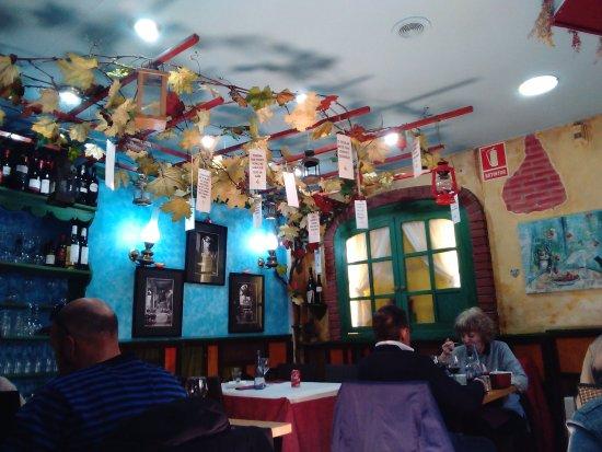 Restaurante Rosa Dels Vents : Decoración del salón