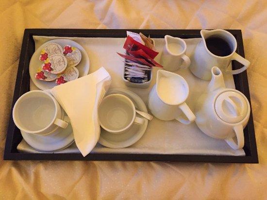 Croce di Malta Hotel: room service 7am yay!