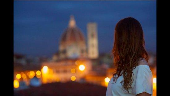 Croce di Malta Hotel: Night time view