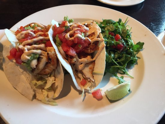 Burtons Grill: Delicious fish tacos - exactly what I was craving (preggo lady here). Yum!