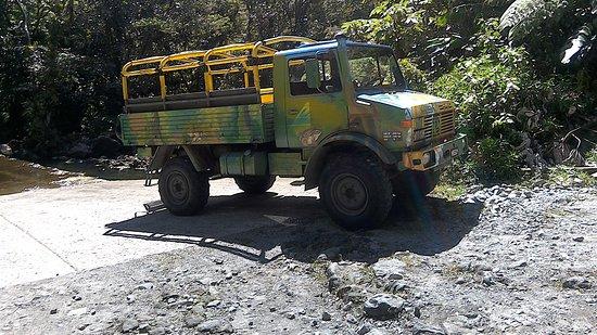 Roseau, Dominika: Wacky Rollers 4x4 Truck