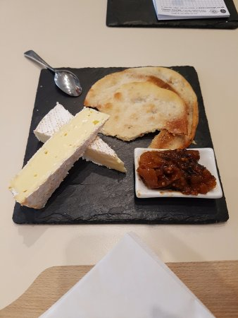 The Cheese Pantry at Connage: Lovely cheeseboard