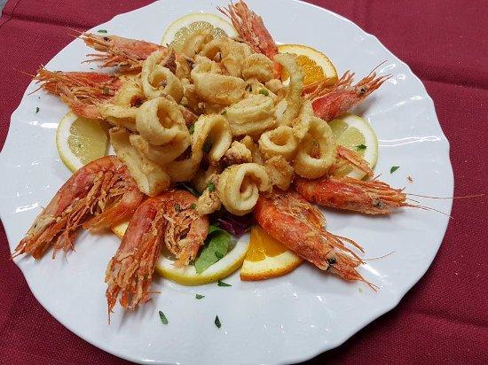 fritto calamari e gamberi - Picture of Le Terrazze, Santa Teresa di ...