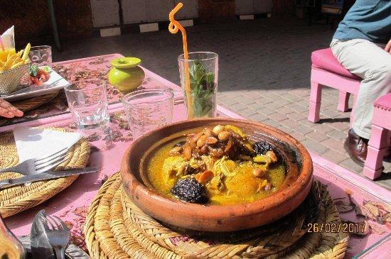 La Cantine Des Gazelles: Good quality but slow food. Good value & worth a try