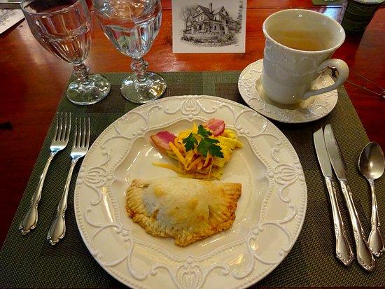 Stillwater, MN: Breakfast empanada - delicious!