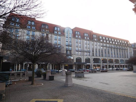 Hilton Berlin: View of hotel from square!