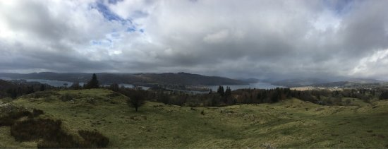 Bowness-on-Windermere, UK: Panoramic view on the hill (we even got to see a rainbow)