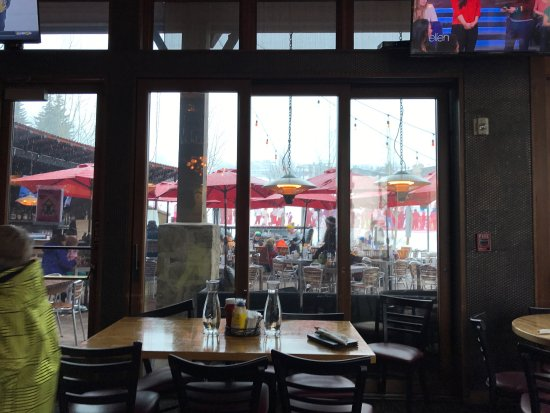 Base Camp Bar & Grill : photo0.jpg