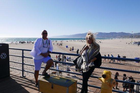 Nobu West Hollywood: Harika bir kumsal ve nefis bir okyanus manzarası karsında yemeğimizi büyük bir keyifle yedik.