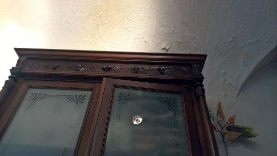 Bistrot La Credenza : Esterno con i tavolini foto di antico pozzo bar bistrot