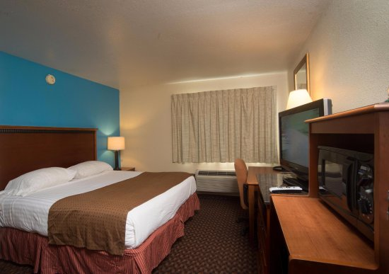 Americas Best Value Inn - Lincoln Airport: Single King Bed