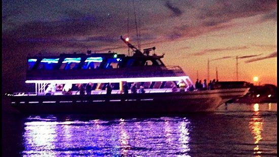Beaufort, NC: Stunning Sunset Cruises