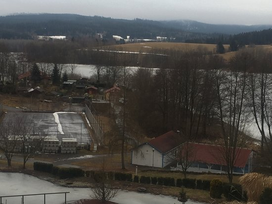 Frymburk, สาธารณรัฐเช็ก: Uitzicht vanaf balkon kamer 3e verdieping in gebouw C