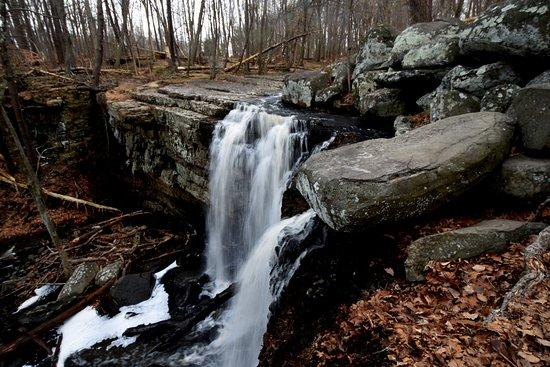 Upper Black Eddy, Pensylwania: 2 little waterfalls