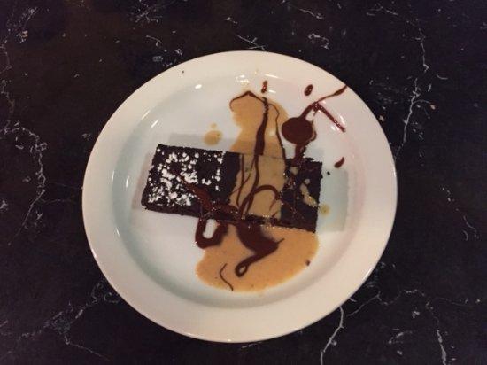 Salvatore's Pizzaiolo Trattoria: Vegan, Black Bean Brownie, delicious!