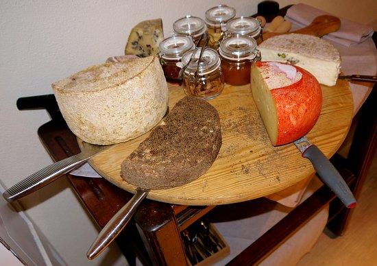 Гаворрано, Италия: formaggi