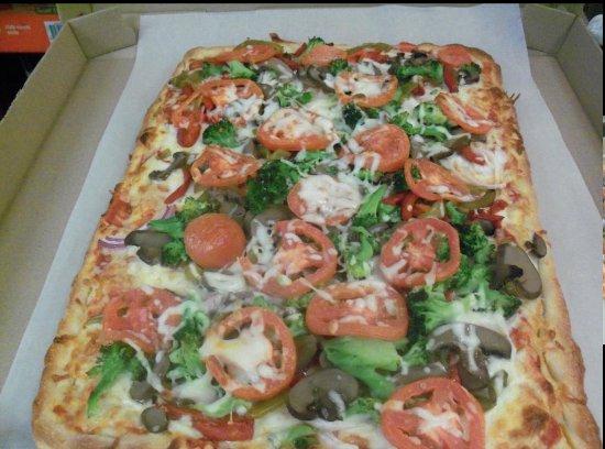 Walpole, MA: Sicilian style pizza (Primavera)