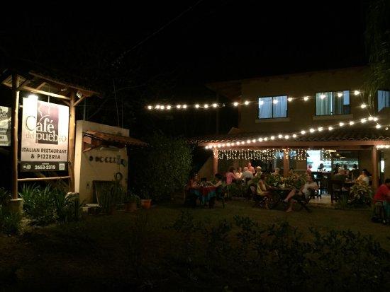 CAFE DEL PUEBLO RESTAURANTE Y PIZZERIA : Beautiful supper!