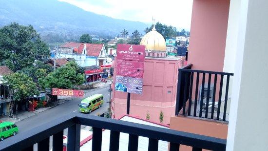 balcon picture of grand diara hotel cisarua tripadvisor rh tripadvisor co za