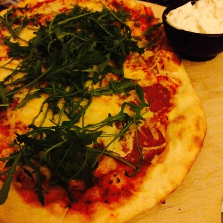 Hildesheim, Allemagne : Pizza classico - italian style with sour cream