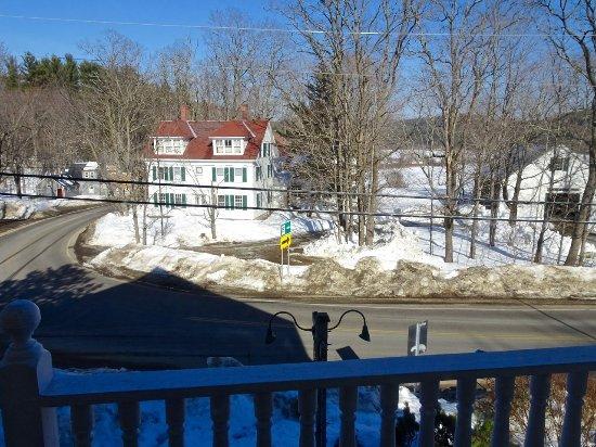 Eaton, Нью-Гэмпшир: View Looking Toward Lake Road over Outside Balcony, Room #5