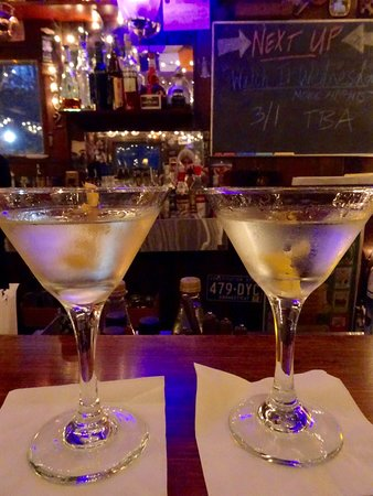 Eaton, NH: Great Martinis in the Inn's Pub, Made to Perfection!