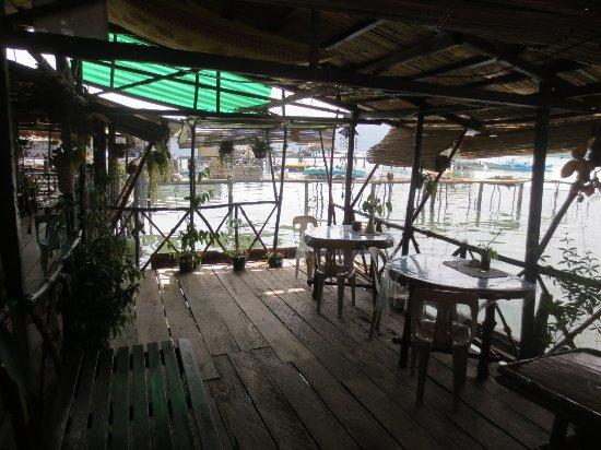 Krystal Lodge: Common Area