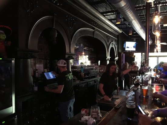 Tequesta, FL: good bar atmosphere for a brewpub