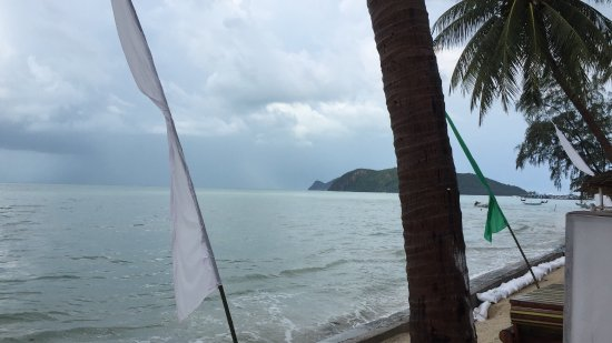 Lime n Soda Beach Front Resort: photo1.jpg