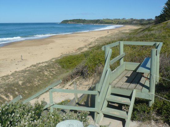 Diamond Beach, Australia: Along the Beach to the right of the Holiday Park.