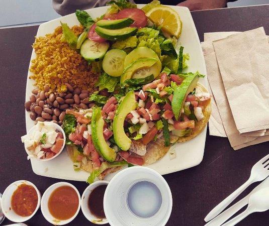 South Pasadena, Kalifornia: Fish taco sampler at Senor Fish.
