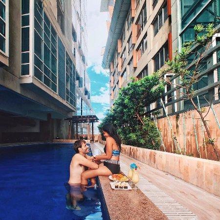 Crown regency hotel towers 52 6 7 updated 2017 prices reviews cebu island cebu for Cheap hotels in cebu with swimming pool