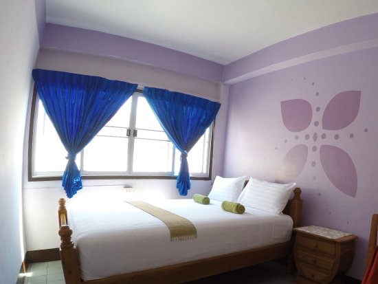 Kavil Guesthouse: Double beds with fan