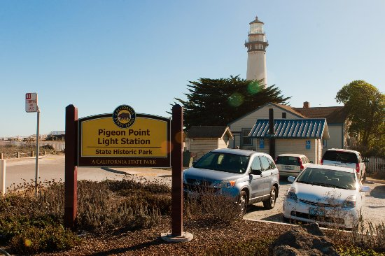 Pescadero, CA: The view as you approach from the road.