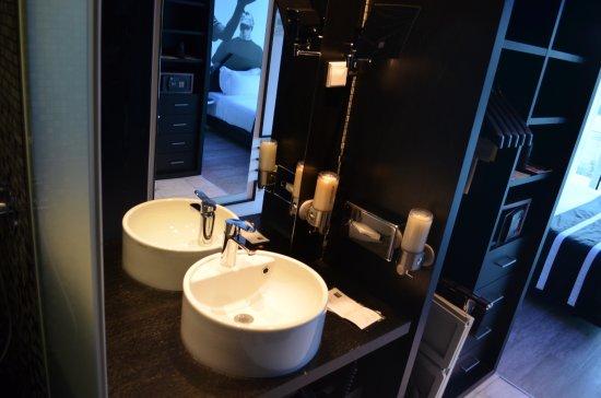 salle de bain - picture of hf fenix music, lisbon - tripadvisor
