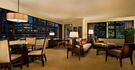 The Peninsula Manila: Deluxe Suite - Living Room