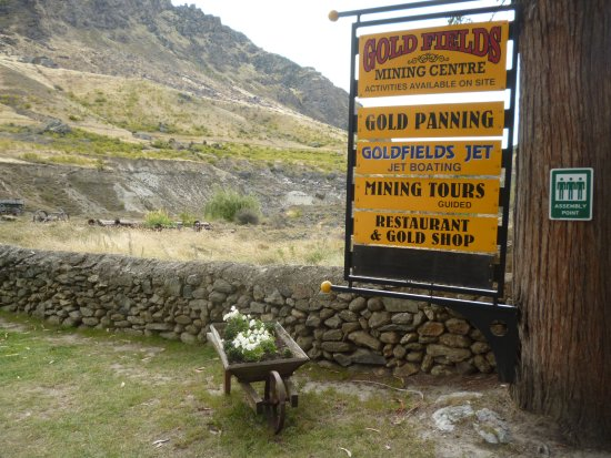 Cromwell, Nueva Zelanda: enterance to cafe and mining centre