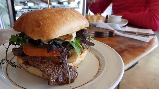 Sandfly Cafe: Delicious steak sandwich