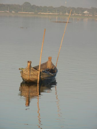 U Bein Bridge: Boat moored on Lake